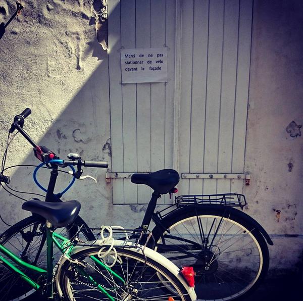 No Parking © Bobo Loyer
