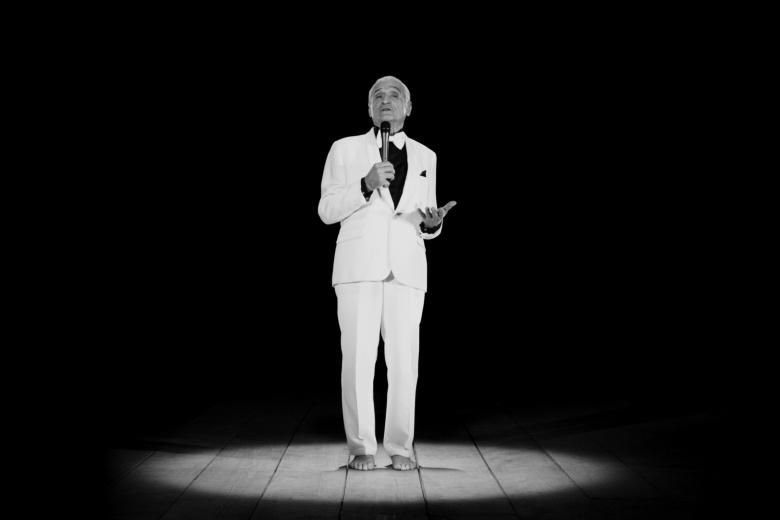 Ugo Rondinone, THANX 4 NOTHING, Installation vidéo (noir et blanc), 14 min. 2015 Courtesy de l'artiste. Copyright Ugo Rondinone