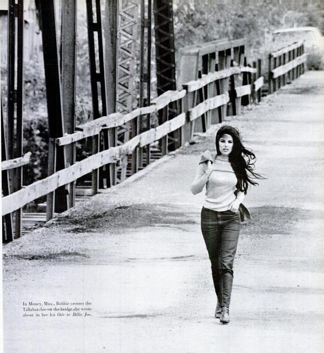 « une » de Life le 10 novembre 1967, BG sur la Tallahatchie Bridge qui sera détruit en 1972