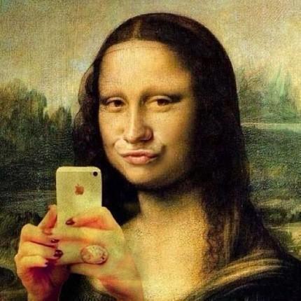 Mona Lisa, Selfie duckface