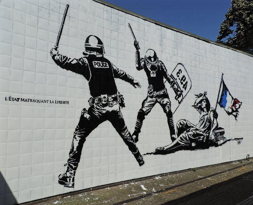 L'État matraquant la liberté, peinture murale de Goin, réalisee dans le cadre du Street Art Festival, Grenoble (DR)
