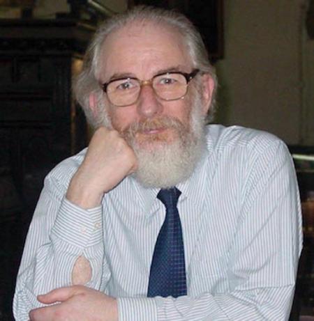 Le professeur émérite David Crystal en 2004, photo University of Salford, UK