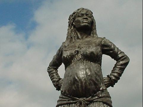 Statue de la mulâtresse Solitude aux Abymes, Guadeloupe